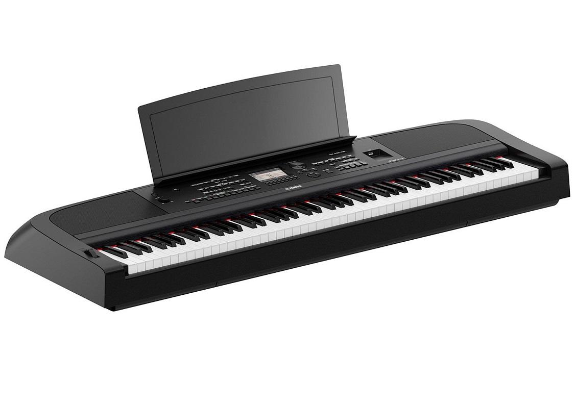 YAMAHA DGX670 BLACK PIANOFORTE DIGITALE ARRANGER 88 TASTI GRADED HAMMER COLORE NERO