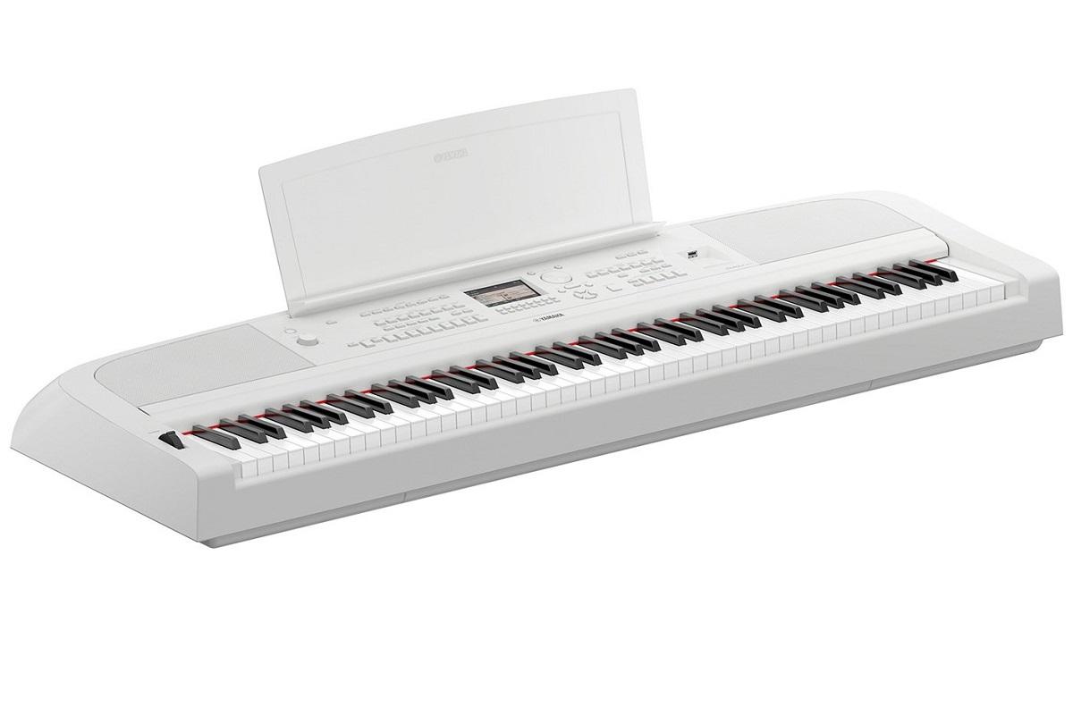 YAMAHA DGX670W WHITE PIANOFORTE DIGITALE ARRANGER DGX670 88 TASTI GRADED HAMMER COLORE BIANCO