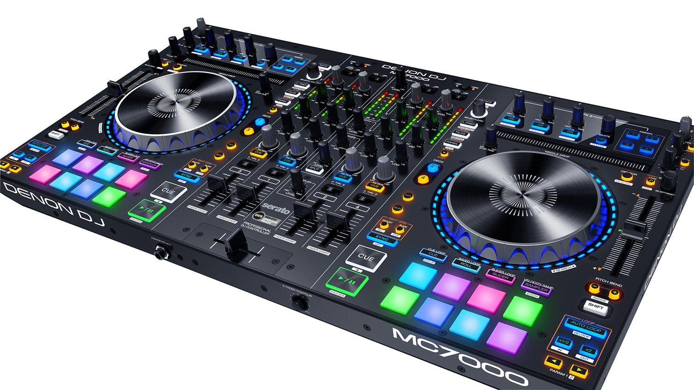 DENON MC7000 CONTROLLER DIGITALE 4 CANALI PER DJ CON DOPPIA INTERFACCIA AUDIO 2