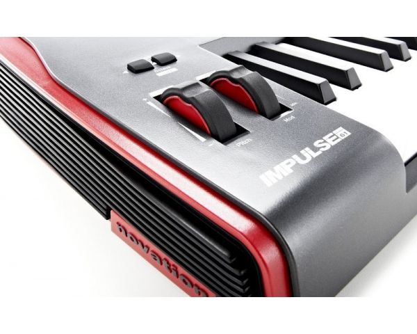 novation-impulse-61-tastiera-controller-1