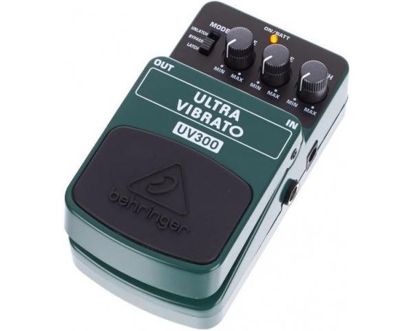 behringer-uv-300-ultra-vibrato-4