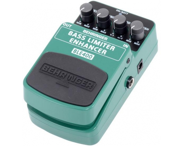 behringer-bass-limiterenhancer-ble400-5