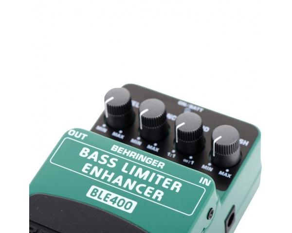 behringer-bass-limiterenhancer-ble400-4